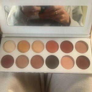 Ellen Tracy Makeup - Ellen Tracy Rosegolf Nudes eyeshadow palette